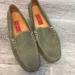 Cole Haan loafer Size 10b Olive suede
